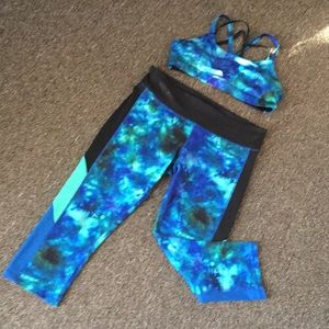 CHAMPION exercise capris matching sports bra Large